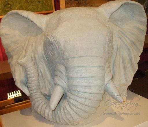 Elefantenkopf Tonskulptur Unikat