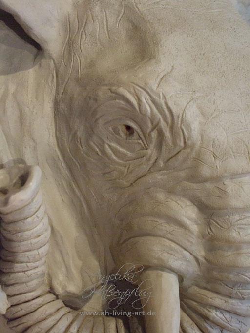 Plastik Skulptur aus Ton Auftragsarbeit Elefant