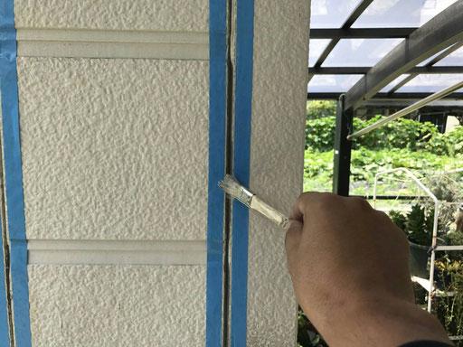 海津町、南濃町、平田町、養老町、祖父江町、八開村、立田村、長島町で外壁塗装工事中の外壁塗装工事専門店。弥富市で外壁塗装工事/コーキング作業中