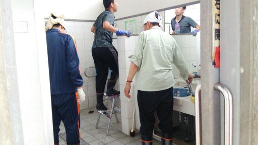 山下駅のトイレ掃除