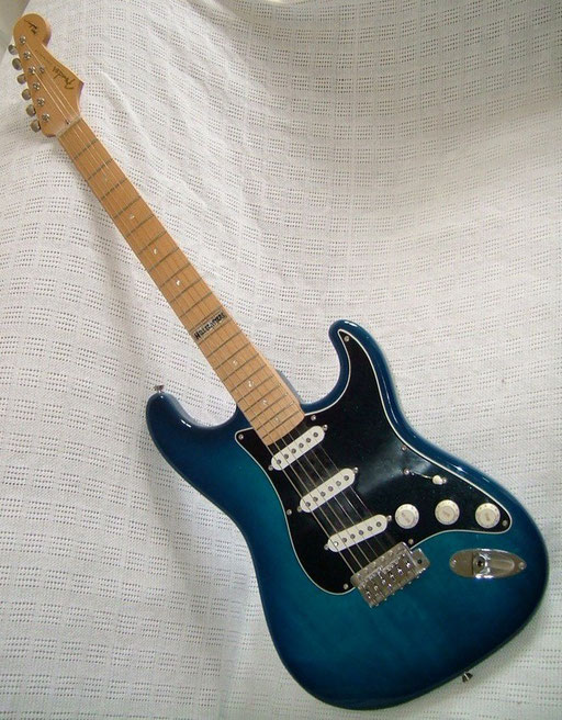 "Fender CIJ Ltd. Ed. ""Jerry Donahue Stratocaster"". No funny name for this fantastic creation, unfortunately. Why didn`t they call it  ""Jerrycaster"" or "" Jerry`s Done-a-Huge-Job-a-Caster"" ?"