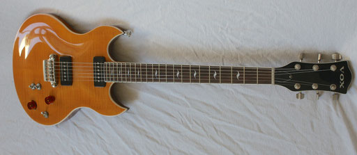 very cool guitar. click to enlarg