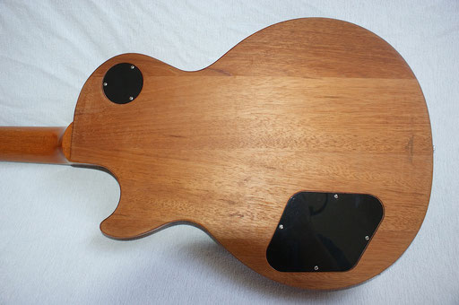 Click to enlarge and see a Gibson USA made Les Paul body consisting of 4 pieces.