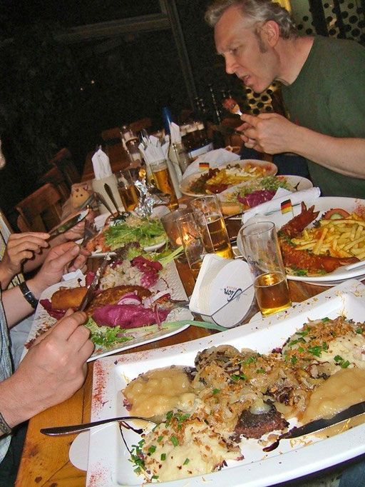 "Time to take a break. Some snobs in Switzerland, France or Italy may think the Germans can`t cook  properly. You`re wrong. At least in Hannover`s ""Ständige Vertretung"" the definitely can! Enjoy your meal, Paul!"
