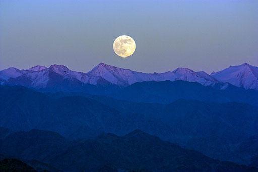 Луна (Чандра) в Гималаях