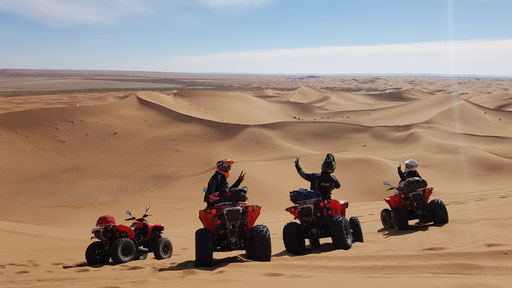 ADVENTURE IN THE DESERT OF MOROCCO BY QUAD ENDURO AND BUGGY