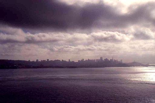 """Blick von Alcatraz auf die """"Freiheit"""""""