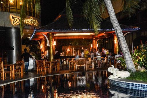 Den Tag ausklingen lassen an der Bar des Prince Hotels in Bangkok - keine Schleichwerbung, wir haben dort übernachtet (also nicht in der Bar sondern im Hotel)
