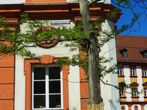 Vor dem alten Schloss (heute Finanzamt) Bayreuth