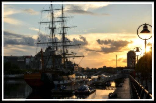 """In den Docks von Dublin - die """"Jeanie Johnston""""- das Schiff brachte im 19. Jahrhundert viele Iren nach Amerika"""