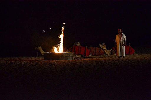 Ein warmer Platz für die Nacht (Foto aus dem Beduinenlager von Daniel Schlenk)