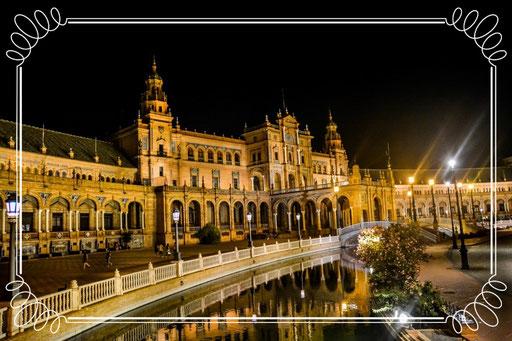 Plaza de Espana (Sevilla/Spanien) Kameraeinstellung: Blende 3,5, 1/80, ISO 1600, 18 mm