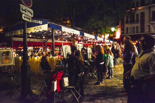 Nachts auf dem Place du Tertre (Montmatre)