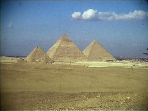 ...wie gesagt: Super-8 der 80er lässt grüßen. Aber - schnief...die einzigen Fotos von den Pyramiden