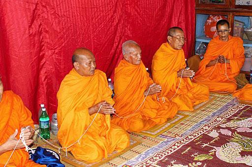 """Eine """"Haussegnung"""" in Ban Nong Muang (Nordostthailand)"""