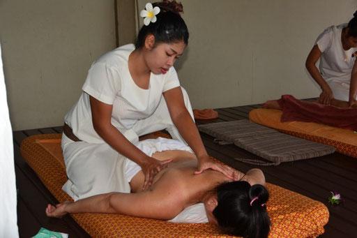 Massage am Strand von Koh Samui (O-Ton meiner Frau: Sehr, sehr schön)