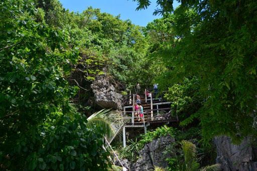 Ein paar (viele) Stufen musst du schon hochlaufen, um die grandiose Aussicht auf die Lagune genießen zu können