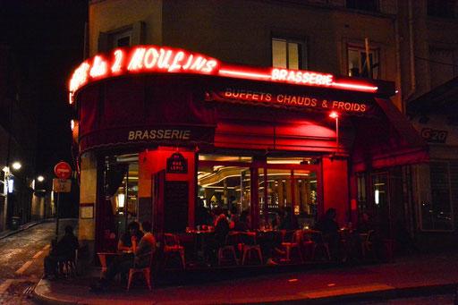 """In dieser urigen Kneipe in Montmatre wurde u. a. der Film """"Die fabelhafte Welt der Amelie"""" gedreht."""