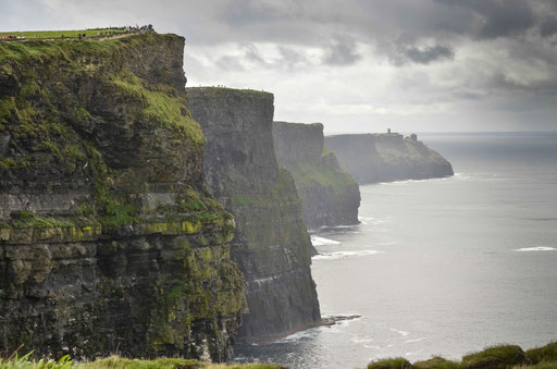 Die Cliffs of Moher, Irlands wohl spektakulärste Touristenattraktion