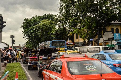 Rush Hour in Bangkok (Foto: Daniel Schlenk)