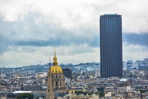 Blick auf Invalidendom und Tour Montparnasse