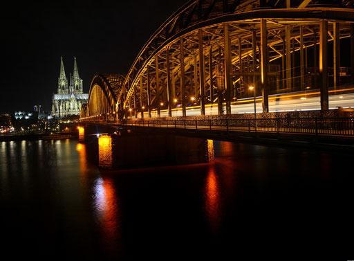 Hohenzollernbrücke vom Dom in Richtung Köln-Deutz