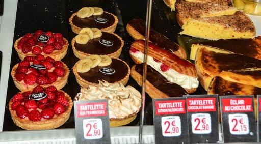 Leckere Tortelettes - mit eiskalt servierten Erdbeeren - ein Genuss