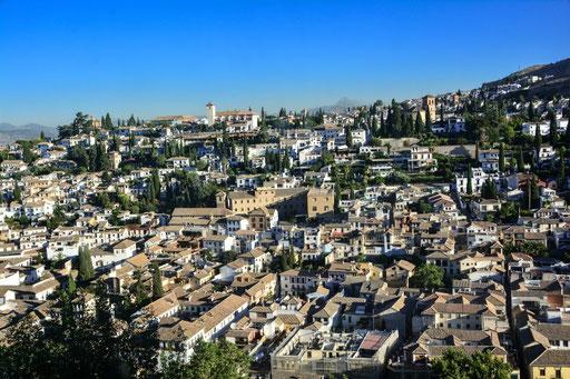 Blick von der Alhambra auf den Stadtteil Albayzin