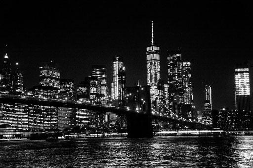 """Aufnahme von Brooklyn-Park aus. Mehrere Versuche mit dem alten Mädchen """"Nikon  D 7100"""" aber ohne Stativ und bei Minus-Graden"""