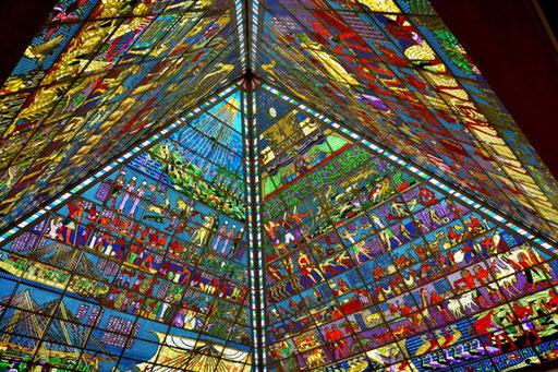 Glasüberdachung in Form einer Pyramide in der Wafi-Mall Dubai (Foto: Daniel Schlenk)