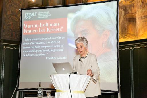 Die Keynote sprach Dr. Monique R. Siegel, Wirtschaftsethikerin, Autorin, Megatrendanalytikerin und Gründerin des Think Tank Female Shift.