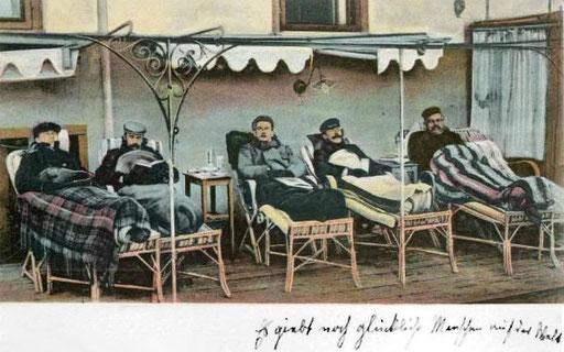 """Liegekur Davos, Postkarte: """"Es gibt noch glückliche Menschen auf der Welt"""""""