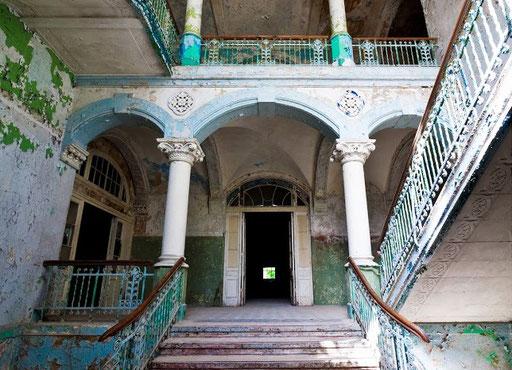 So sieht es in den Ruinen der Heilstätten Beelitz heute aus.