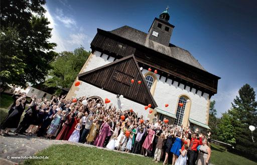 scheunenwirtin großrückerswalde, gruppenfoto, Kirche, hochzeitsfoto, großrückerswalde