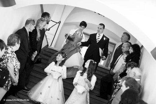 hochzeitsfotograf, annaberg, heiraten, Standesamt, fotoshooting, reportage, hochzeitsreportage, trausaal, fotos