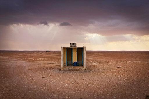 Tunisie,09 2011,toilettes du dernier café avant le sahara