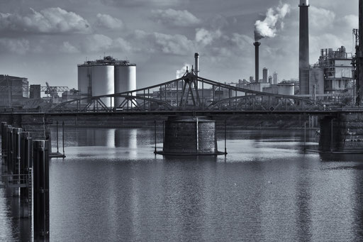 Hafen Krefeld.......