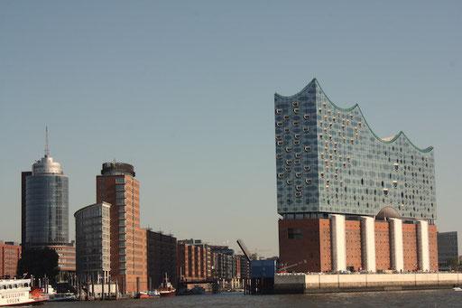 Hamburgs Speicherstadt und die Elbphilharmonie...
