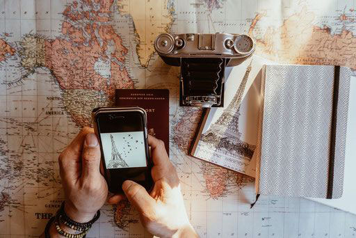 Arrival and departure, transport, phone, internet, services at key2paris