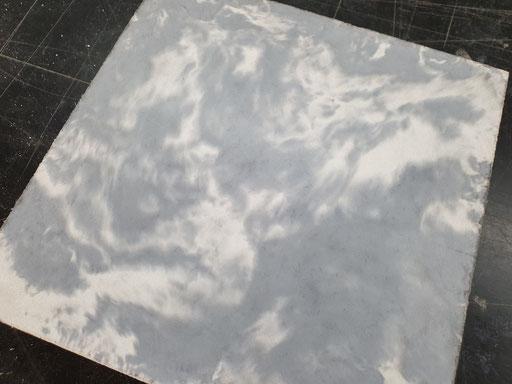 Beton in Marmor-Optik selber herstellen