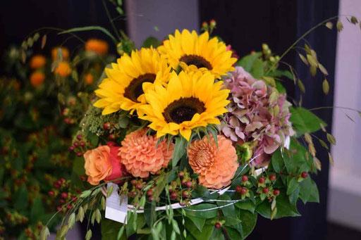 Blumenstrauss mit Sonnenblumen Gais
