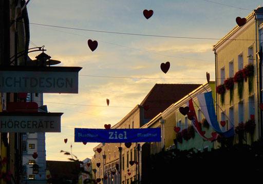 die Herzen der Vilshofener tanzten im Abendhimmel