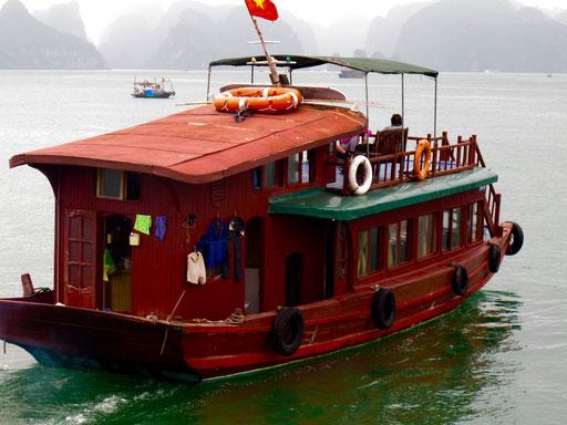 Anno wurde für die Weiterfahrt von einem kleineren Cruiser übernommen