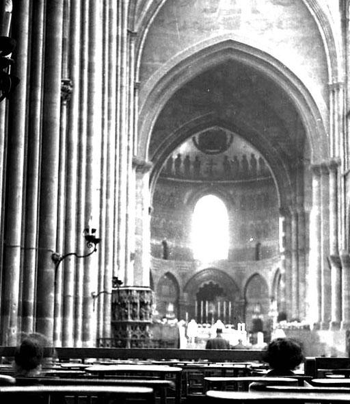 die gotische Kathedrale Notre-Dame i
