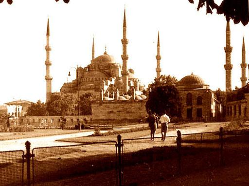 die Sultan Ahmed Moschee (blaue Moschee) - mit seinen sechs Minaretten