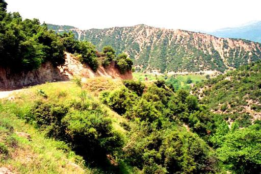 die lange Bergstrasse zum Avgi-Imera hinauf