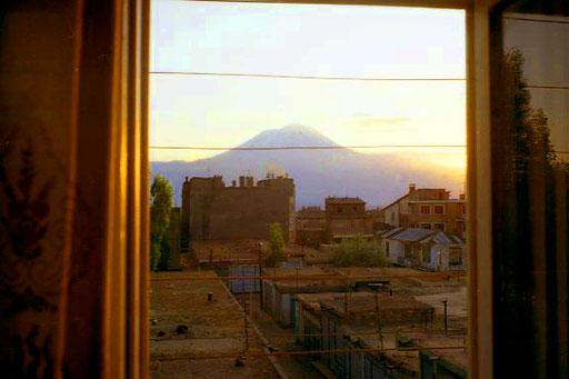 von meinem Fenster präsentierte sich der Mt. Ararat