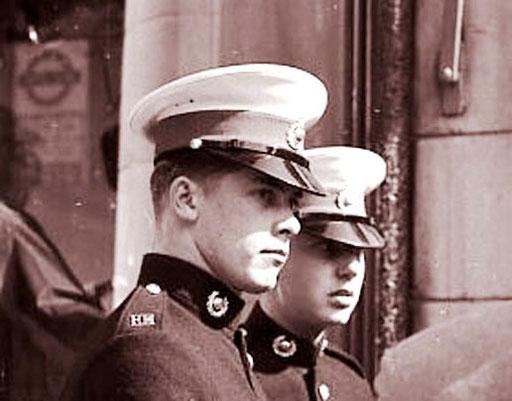 stolze Kadetten der Marine