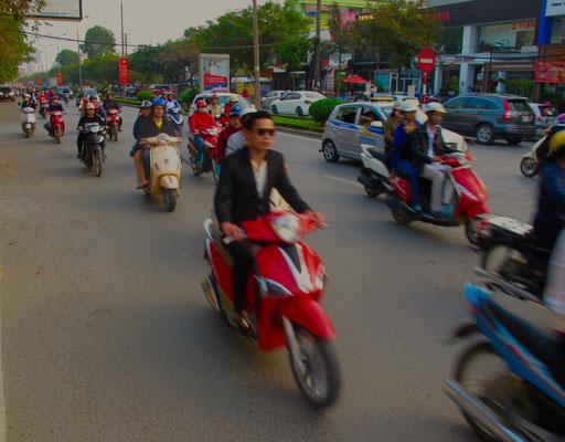von Minute zu Minute wird der Verkehr stärker und dichter