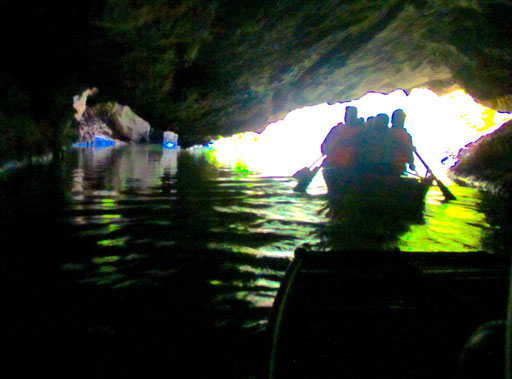 die Grotten waren niedrig und sehr lang